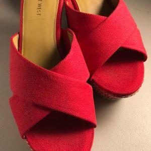 (Nine West) Red platform sandals/ slides